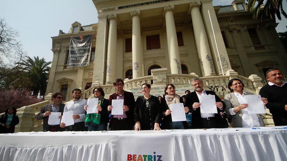 """Beatriz Sánchez en el compromiso """"cambiemos el Congreso""""."""