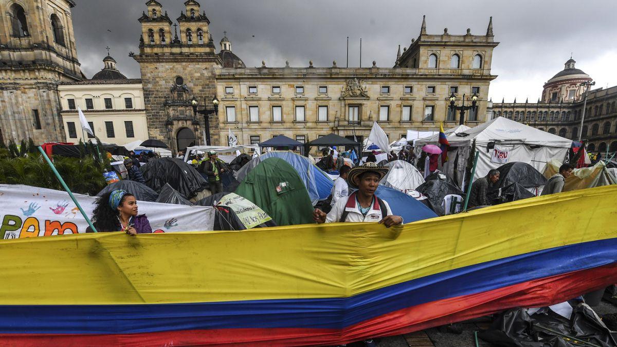 Militares de Ecuador y Colombia abordan situación de las FARC