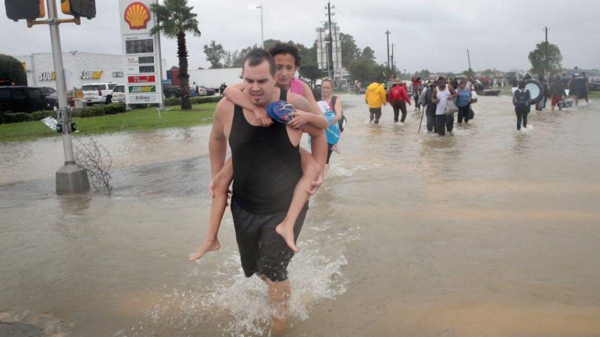 Sandra Bullock dona $1 millón para los afectados por Harvey