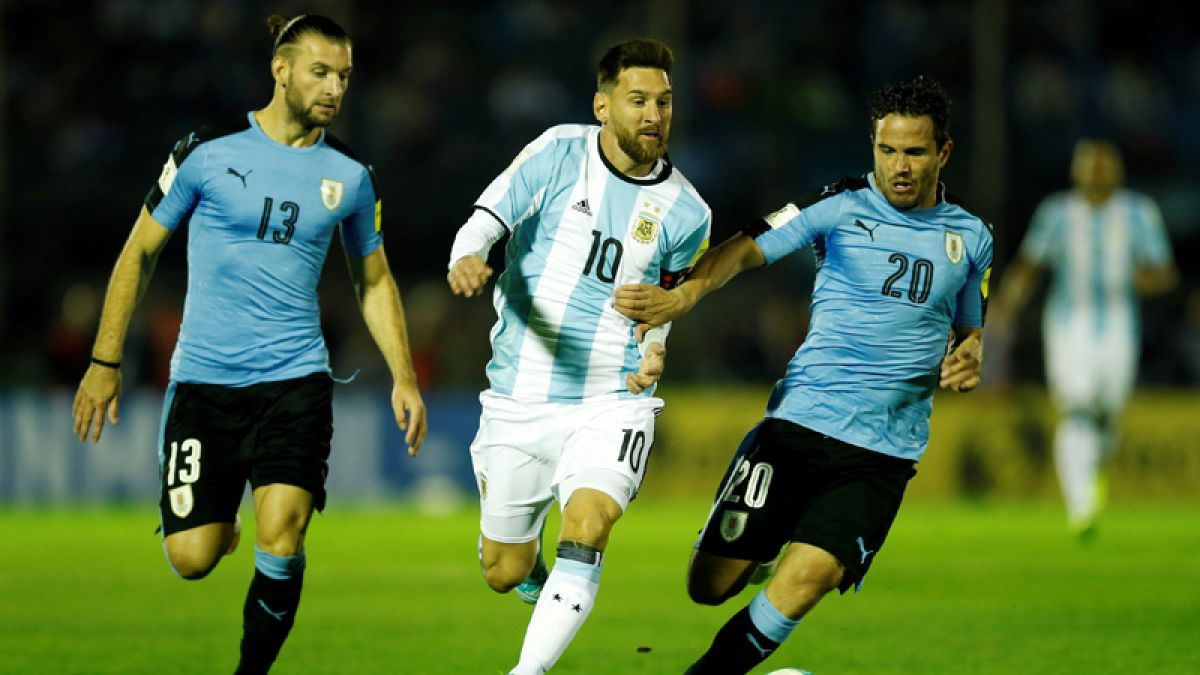Argentina alcanza a Chile en las Clasificatorias tras empatar sin goles con Uruguay