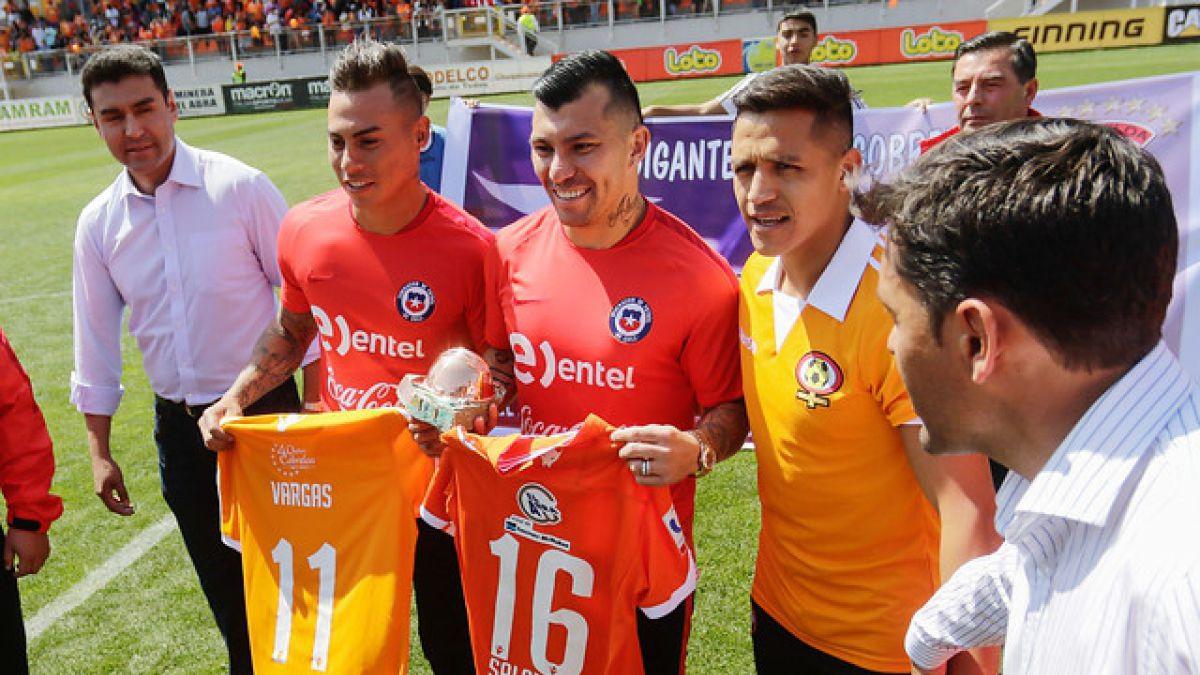 Cobreloa rinde homenaje a Alexis Sánchez, Eduardo Vargas y Gary Medel