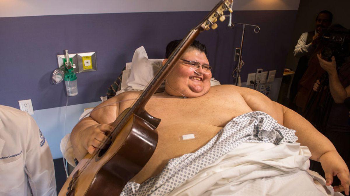 La lucha y las esperanzas del hombre más obeso del mundo | Tele 13