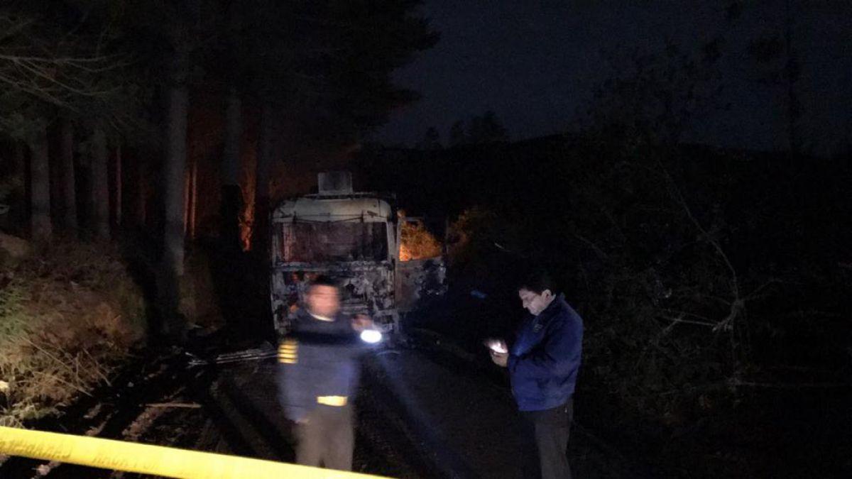 Nuevo ataque incendiario a máquinas y camiones en La Araucanía