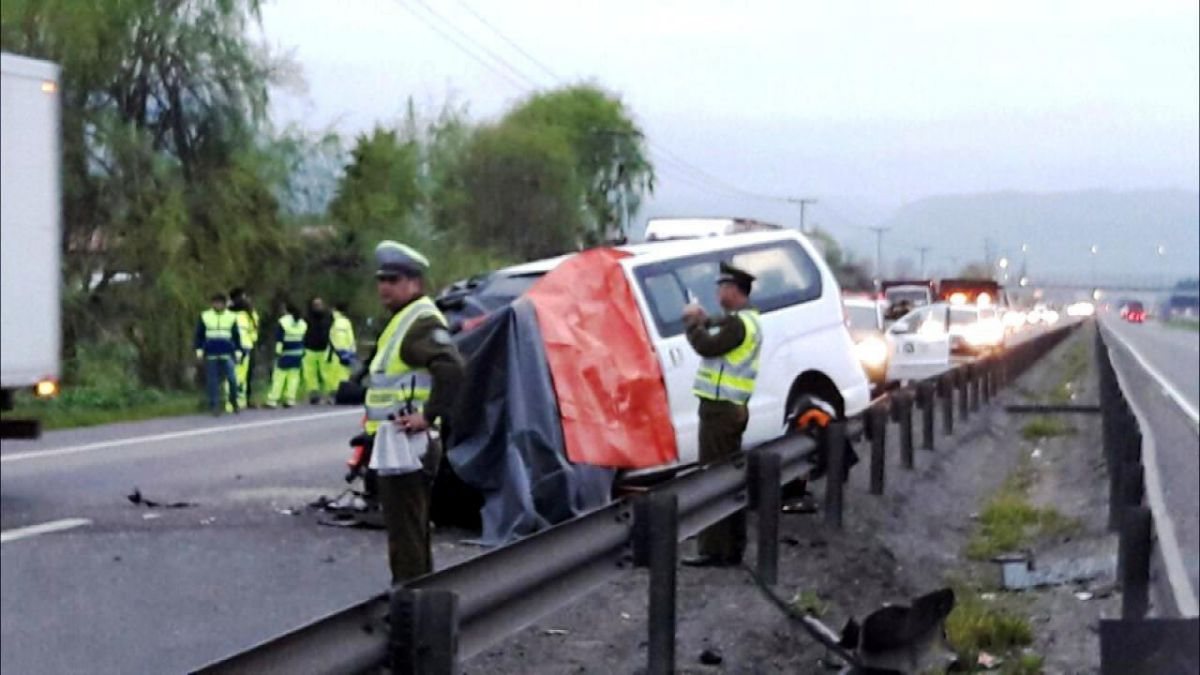 Fatal accidente en Llay Llay deja 4 personas muertas tras volcar furgón