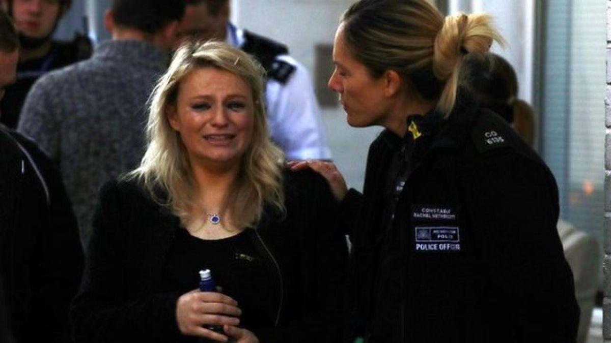 En imágenes la confusión tras la explosión terrorista en el metro de Londres
