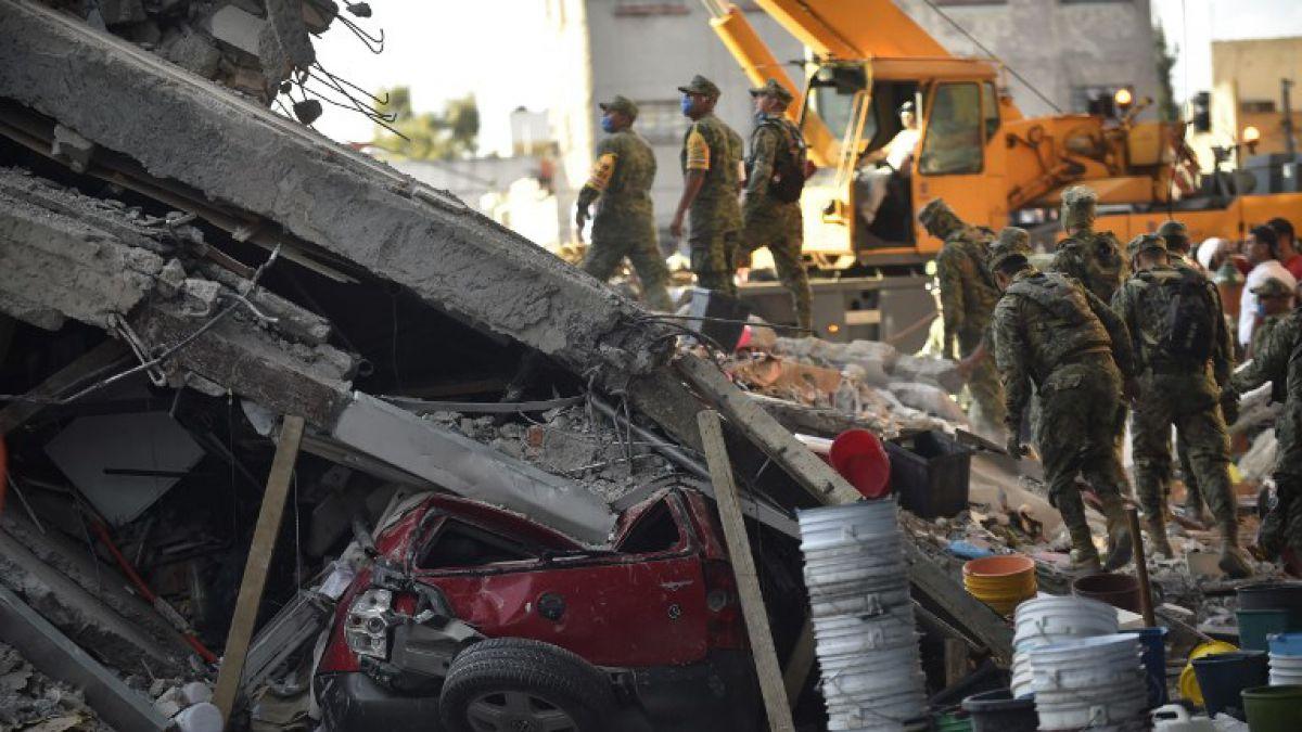 EPN dice que el rescate de personas en la CDMX seguirá