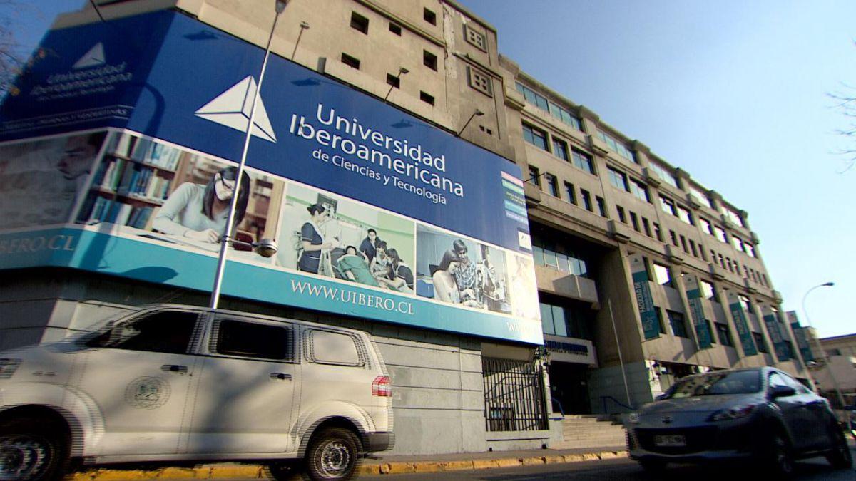 Ministra confirma que nombrarán administrador de cierre en la U. Iberoamericana
