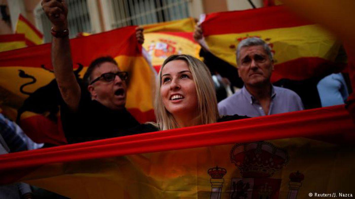 Detienen a catorce personas en operación contra el referéndum en Cataluña
