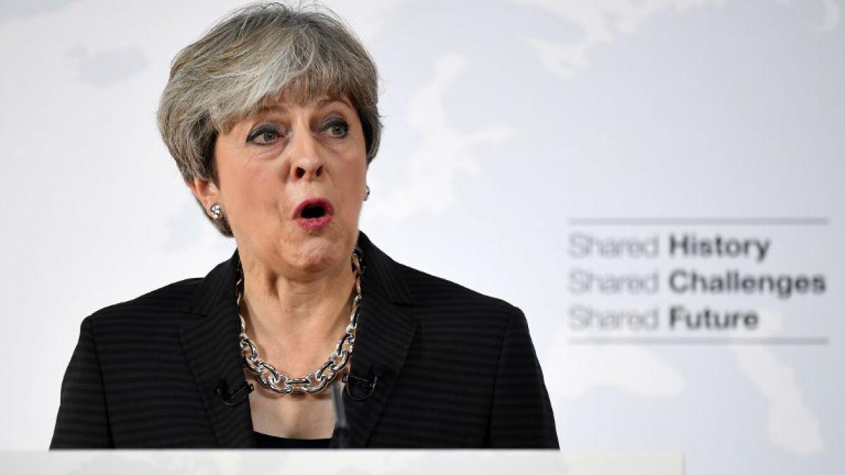Theresa May quiere dos años de transición económica tras el Brexit