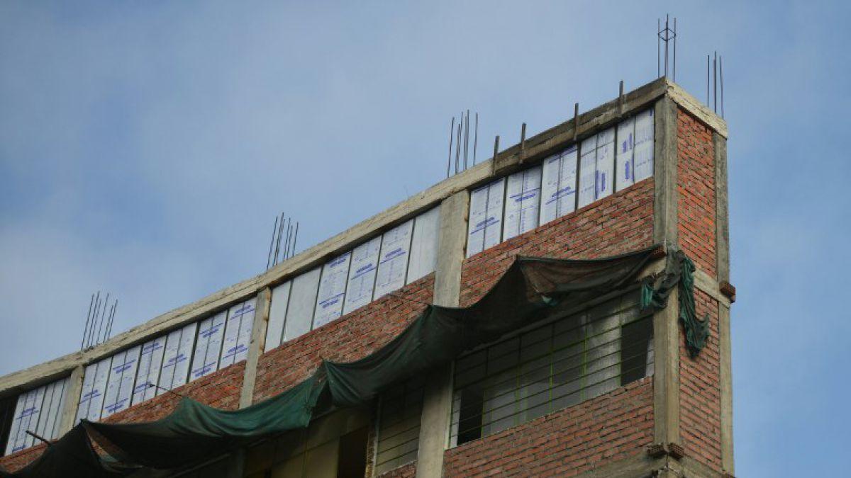 El curioso edificio en Lima que es un monumento al peligro