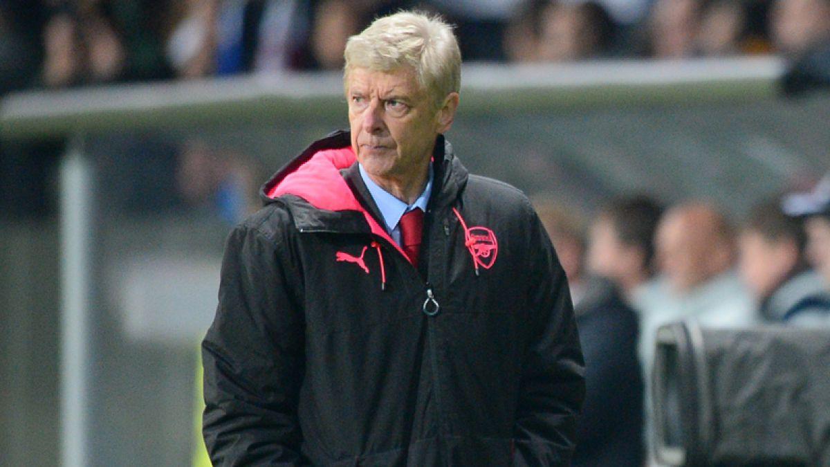 Wenger, suspendido tres partidos por incidente con árbitro