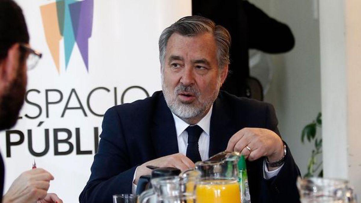 Diario Financiero: Piñera califica de