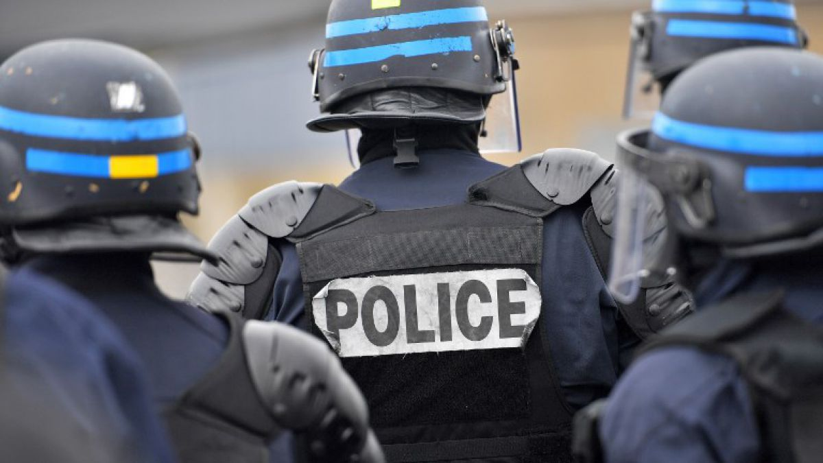 Detienen a diez sospechosos de planear ataques contra políticos en Francia