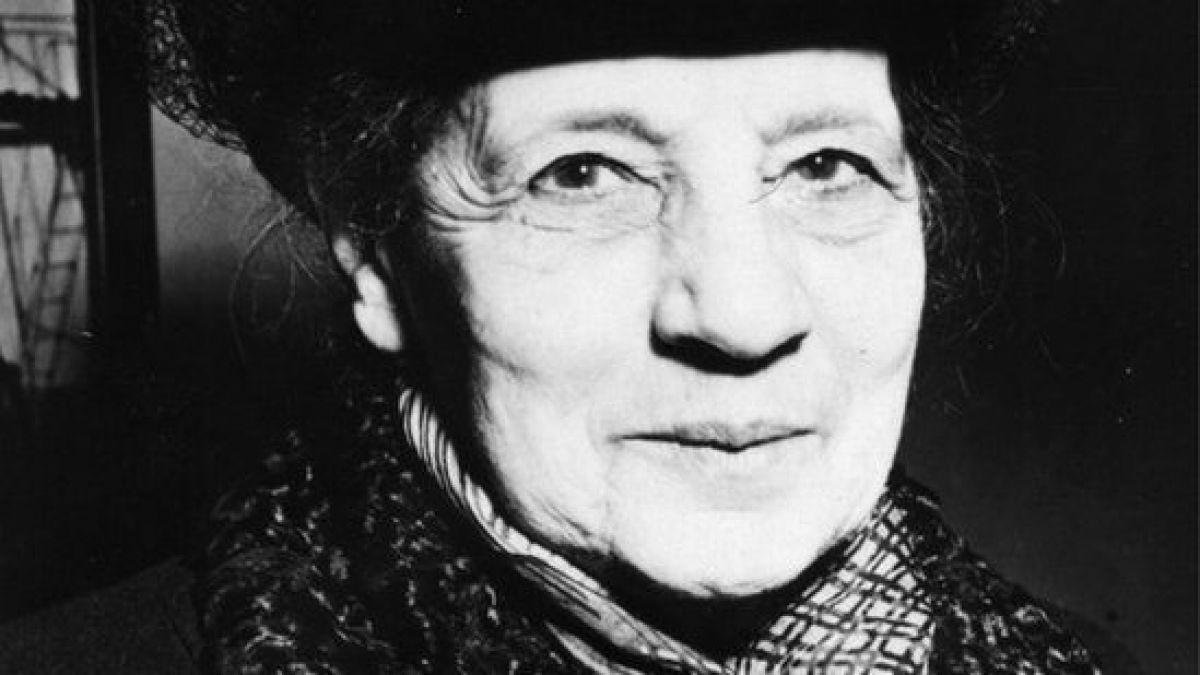 Lise Meitner, la única mujer que tiene un elemento en la tabla periódica