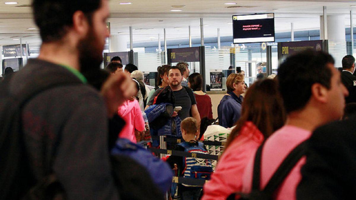 Latam es multado por cláusula de vuelos nacionales de ida y vuelta