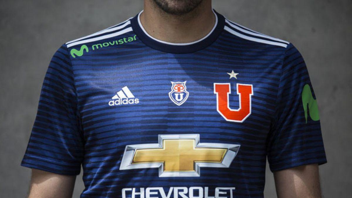 1d95b9371 Universidad de Chile presenta oficialmente su nueva camiseta