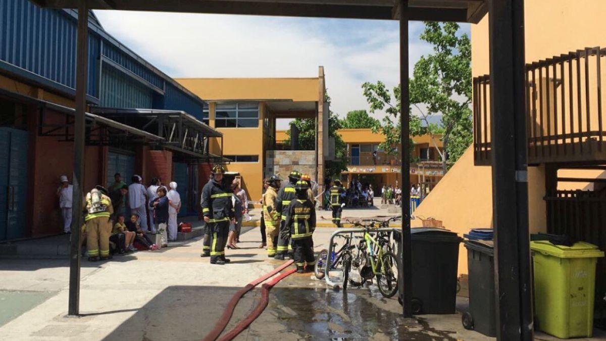 Explosión deja a 7 estudiantes heridos en el Colegio Antártica Chilena de Vitacura