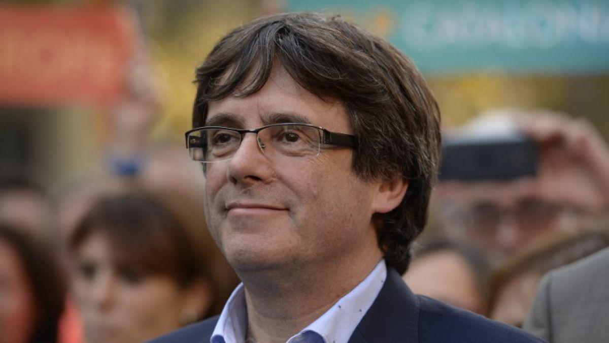 Puigdemont y cuatro miembros de su gabinete se entregan a la policía de Bélgica