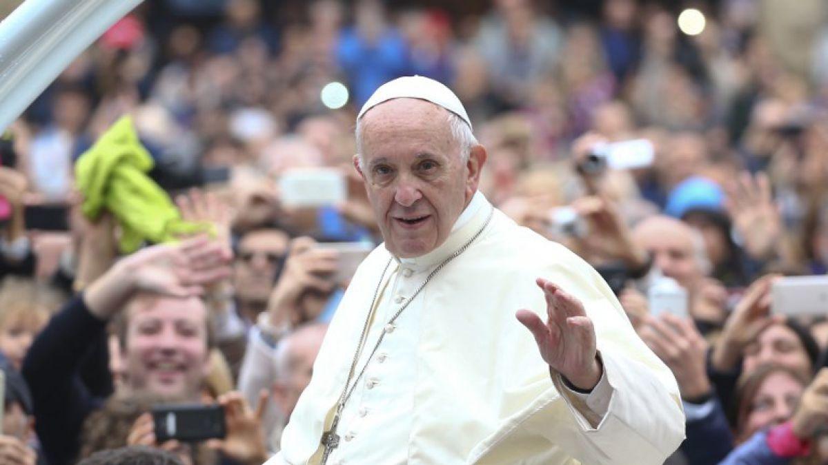Papa Francisco dialoga sobre temas filosóficos con tripulación de Estación Espacial Internacional