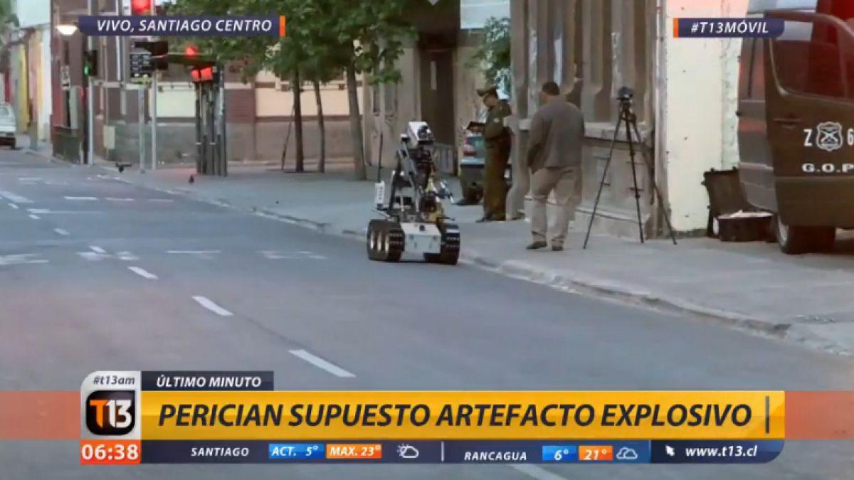 Carabineros intenta identificar posible bomba en el Centro de Santiago