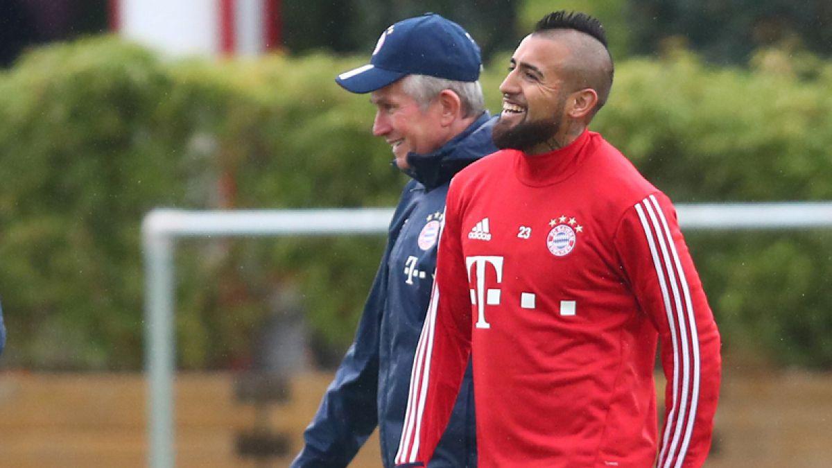 """Técnico del Bayern responde a molestia de Vidal: """"Le exijo mucho más de lo que ha demostrado"""""""