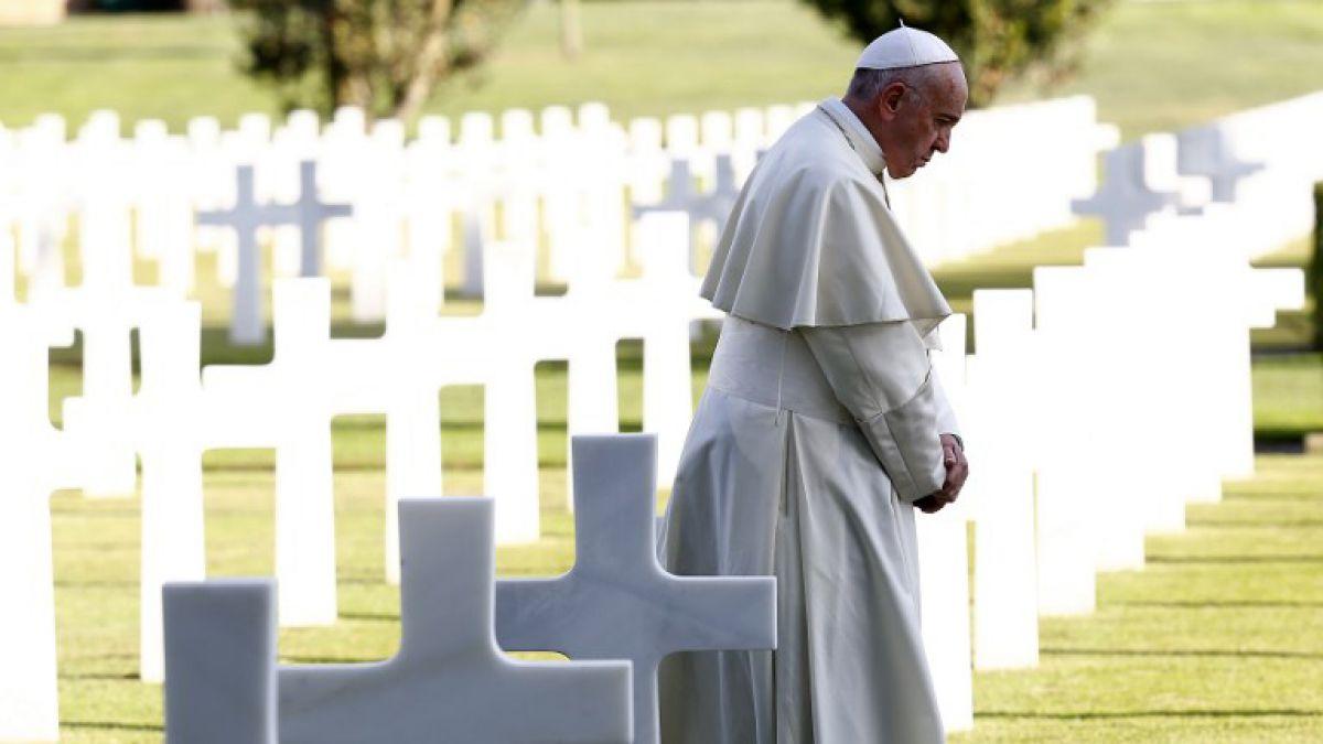 Papa por el Día de Muertos: ¡Nunca más la guerra!