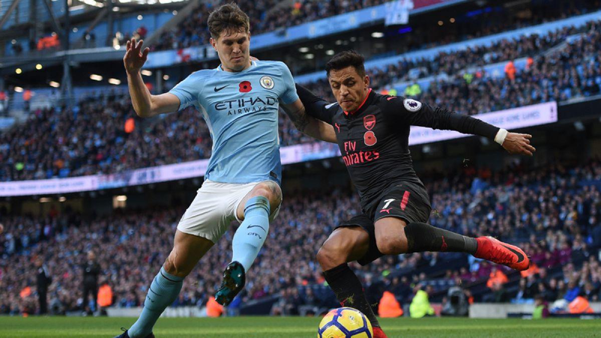 Alexis juega en dura derrota del Arsenal ante Manchester City que sigue líder de la Premier