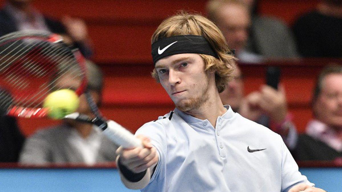 Escandaloso sorteo en el Masters juvenil de la ATP — Portaligas y modelos