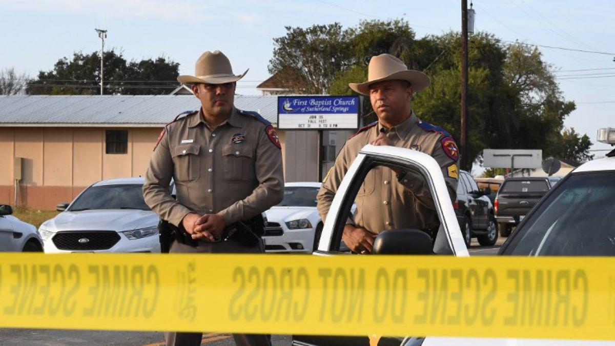 Policía de Texas cree que atacante de iglesia se suicidó