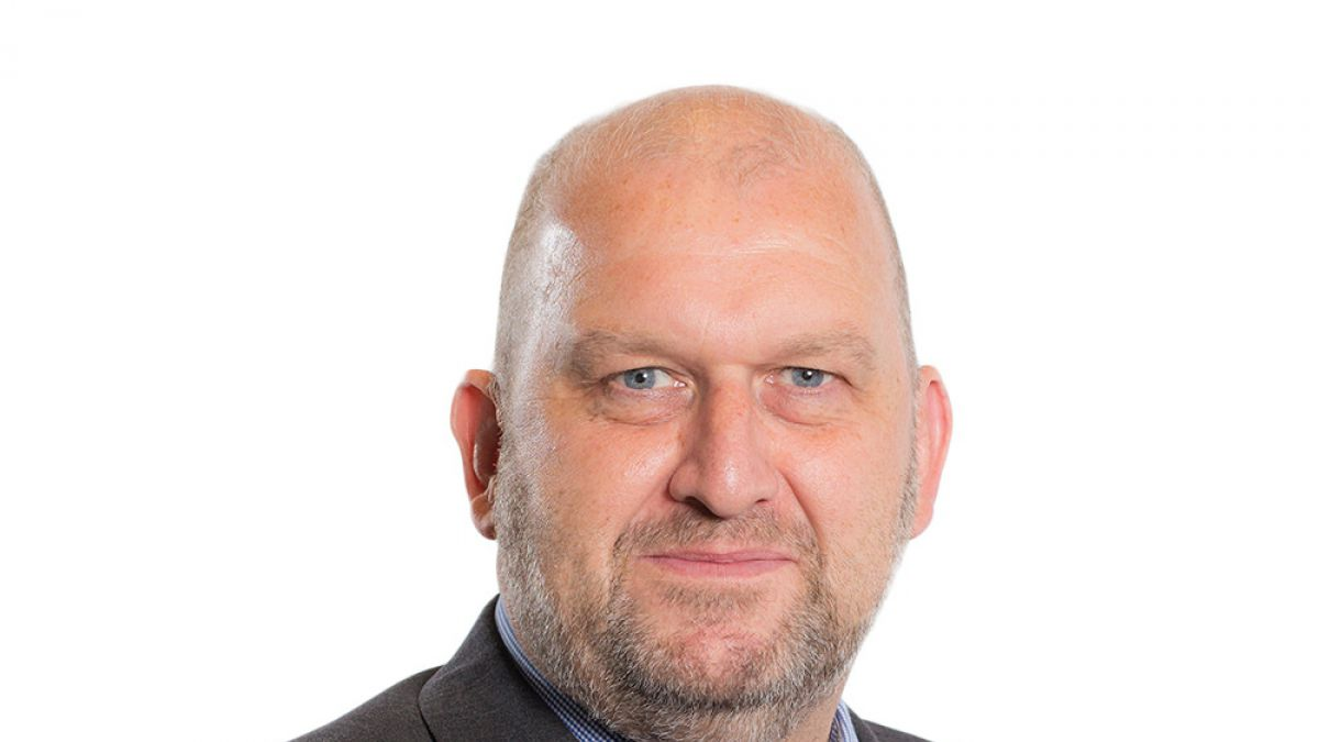 Hallan muerto a un ex ministro galés denunciado por acoso
