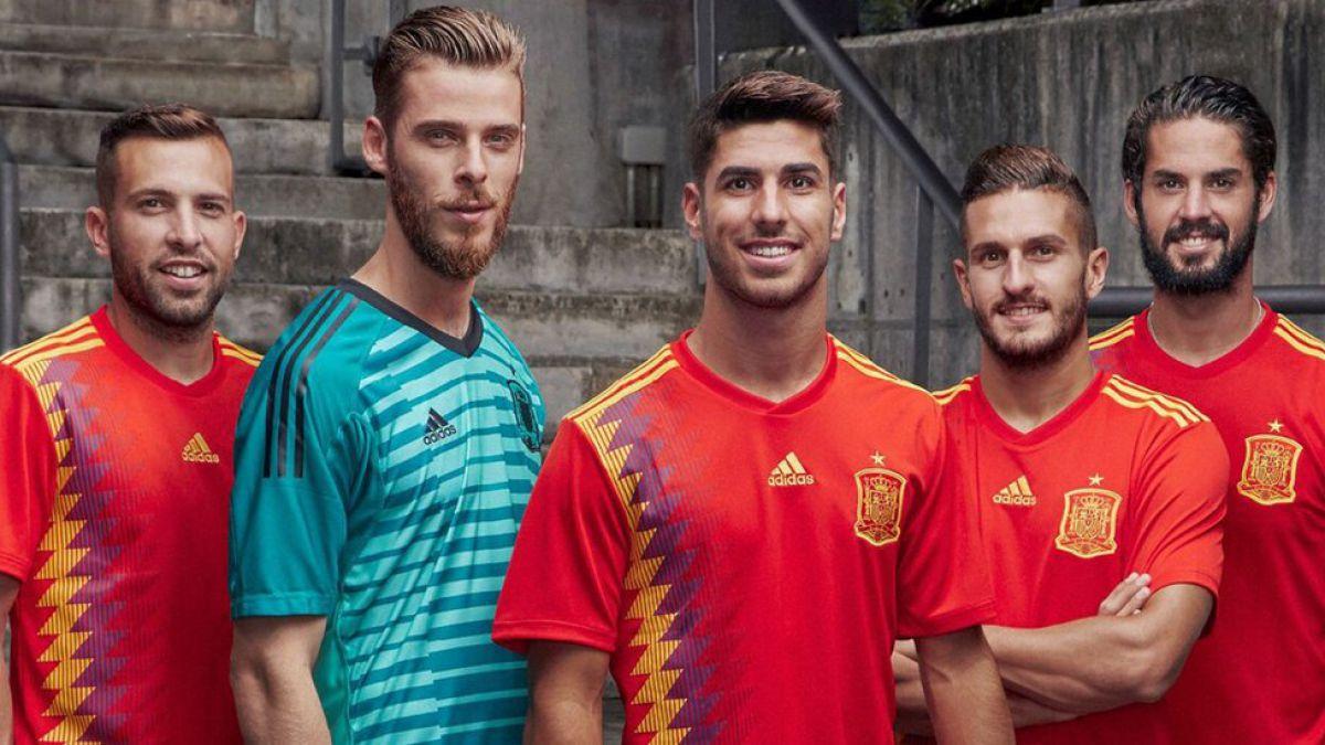 ¿Por qué tanta polémica en España el efecto óptico de la nueva camiseta de la selección?