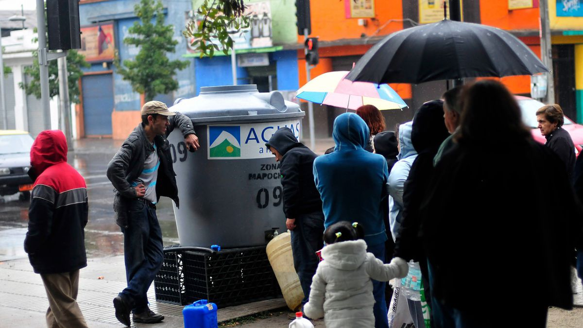 Aguas Andinas anuncia corte de suministro en tres comunas de la capital