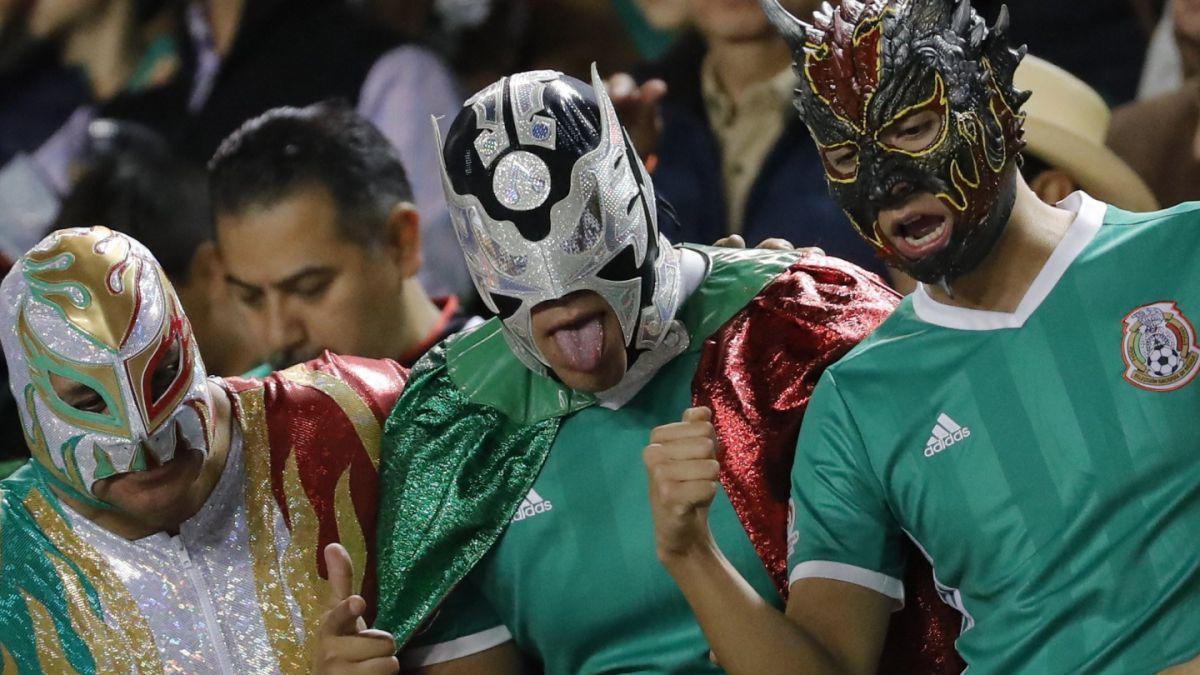 ¿Por qué la FIFA penaliza tan seguido a selecciones de América Latina por cantos homofóbicos?