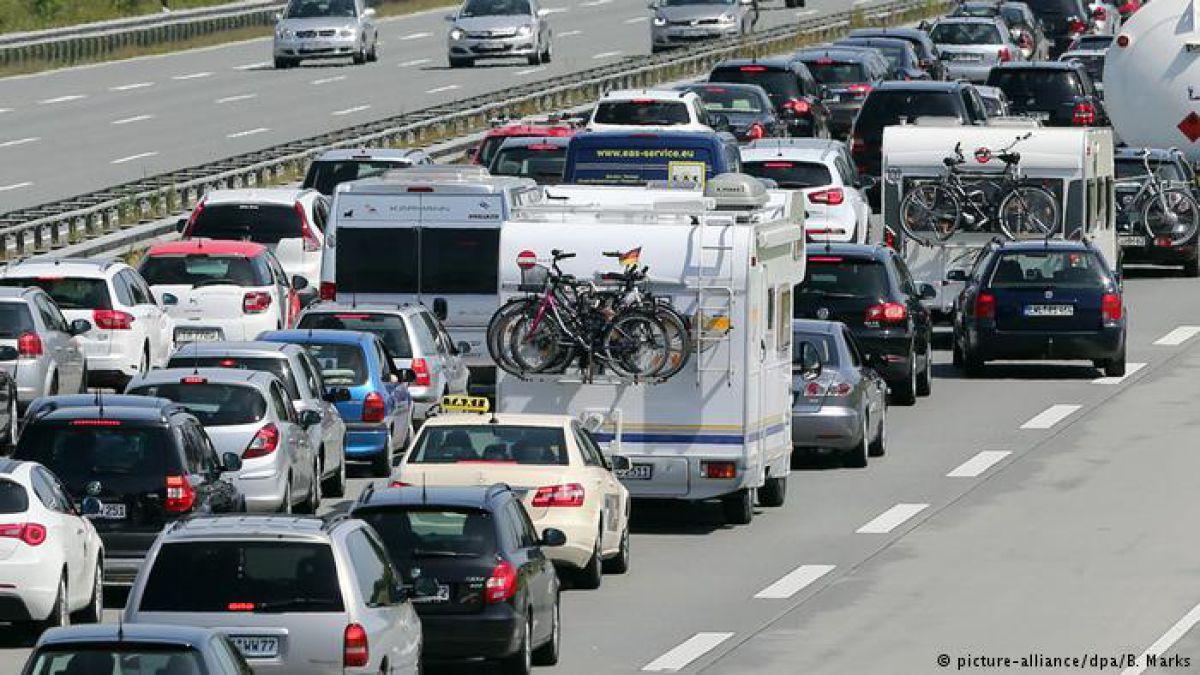 La Comisión Europea fija límites más estrictos para CO2 de automóviles