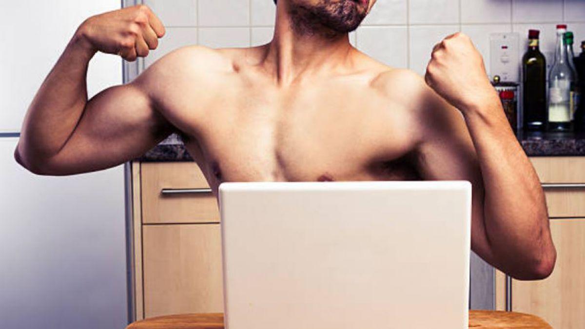 Fotos de desnudos en redes sociales