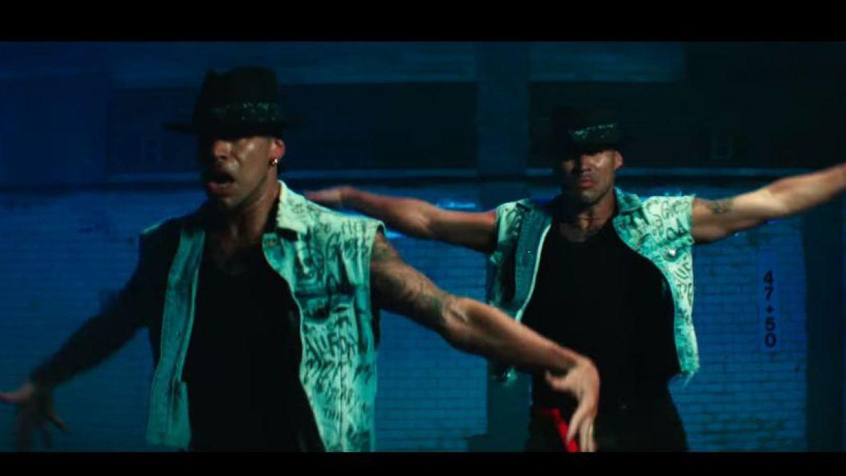 Los Power Peralta se tiran un paso en el nuevo video de Jennifer Lopez junto a Wisin