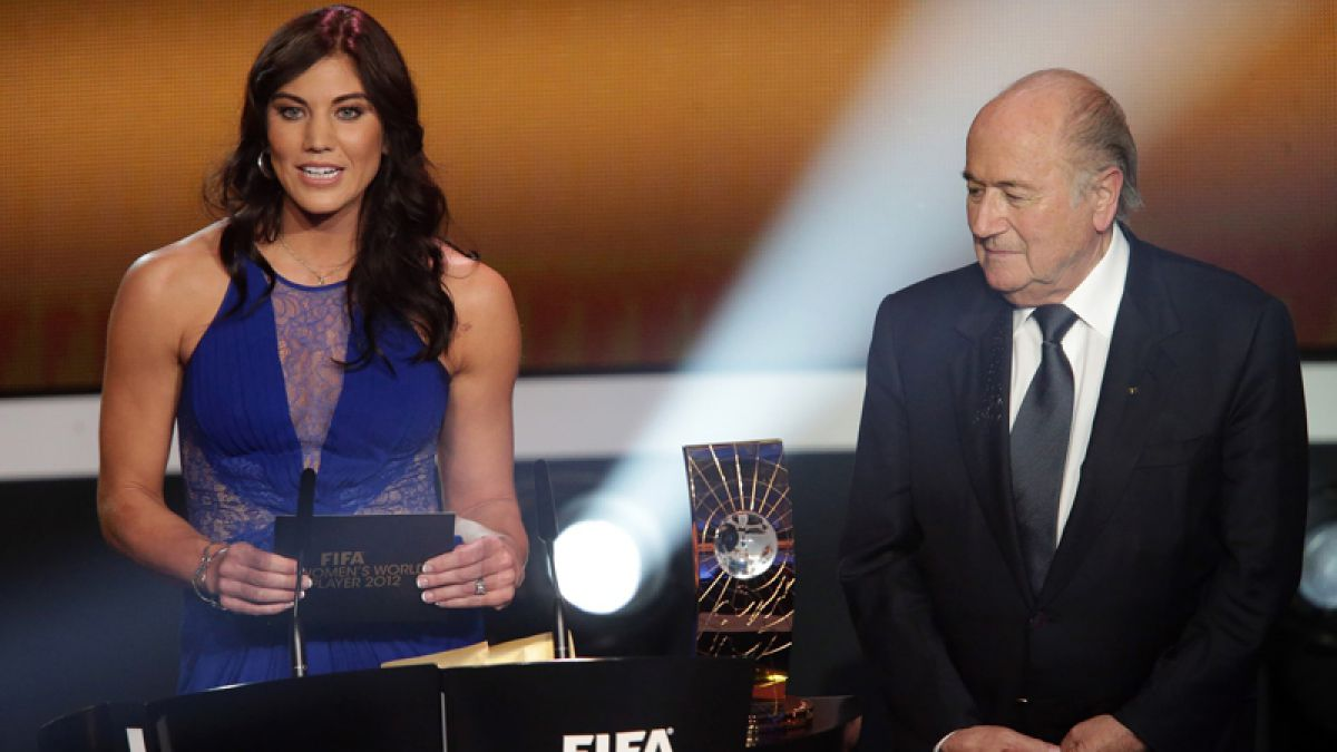 Hope Solo acusa a Blatter de acoso sexual