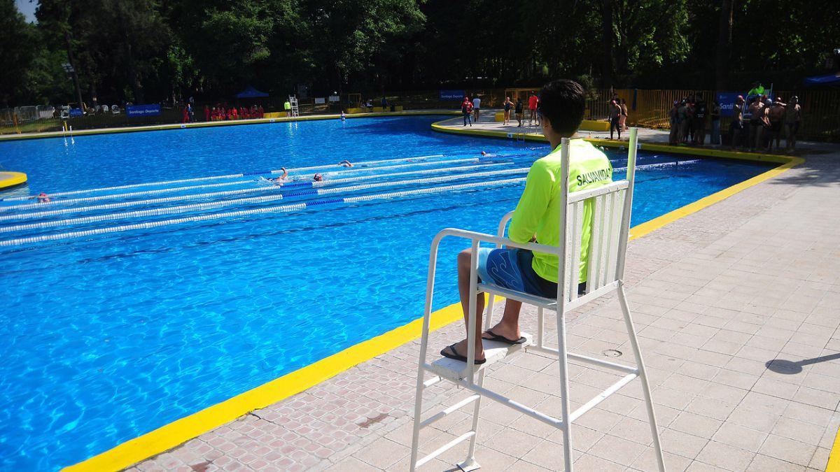 Abre piscina del Parque OHiggins: Precios y horarios   Tele 13