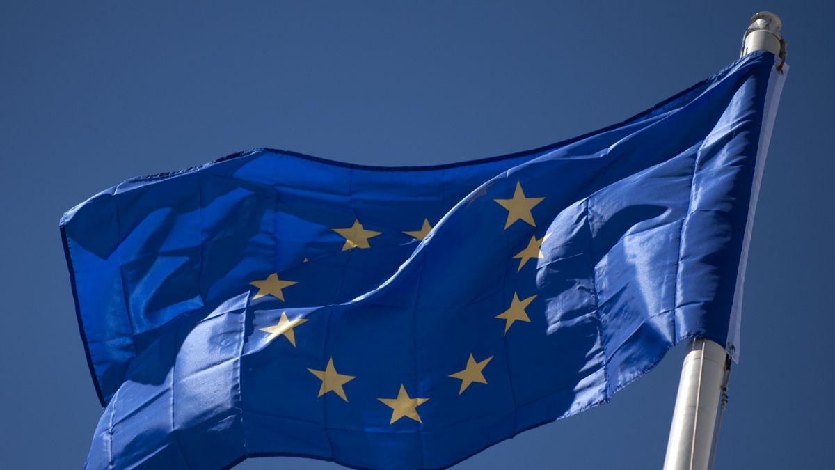 UE evaluaría escándalo de Facebook en cumbre de Bruselas