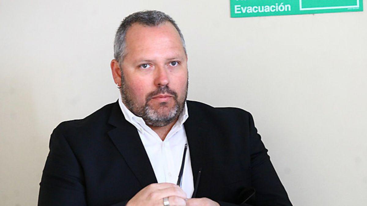 Investigan a Sebastián Dávalos por presunta estafa y boletas falsas