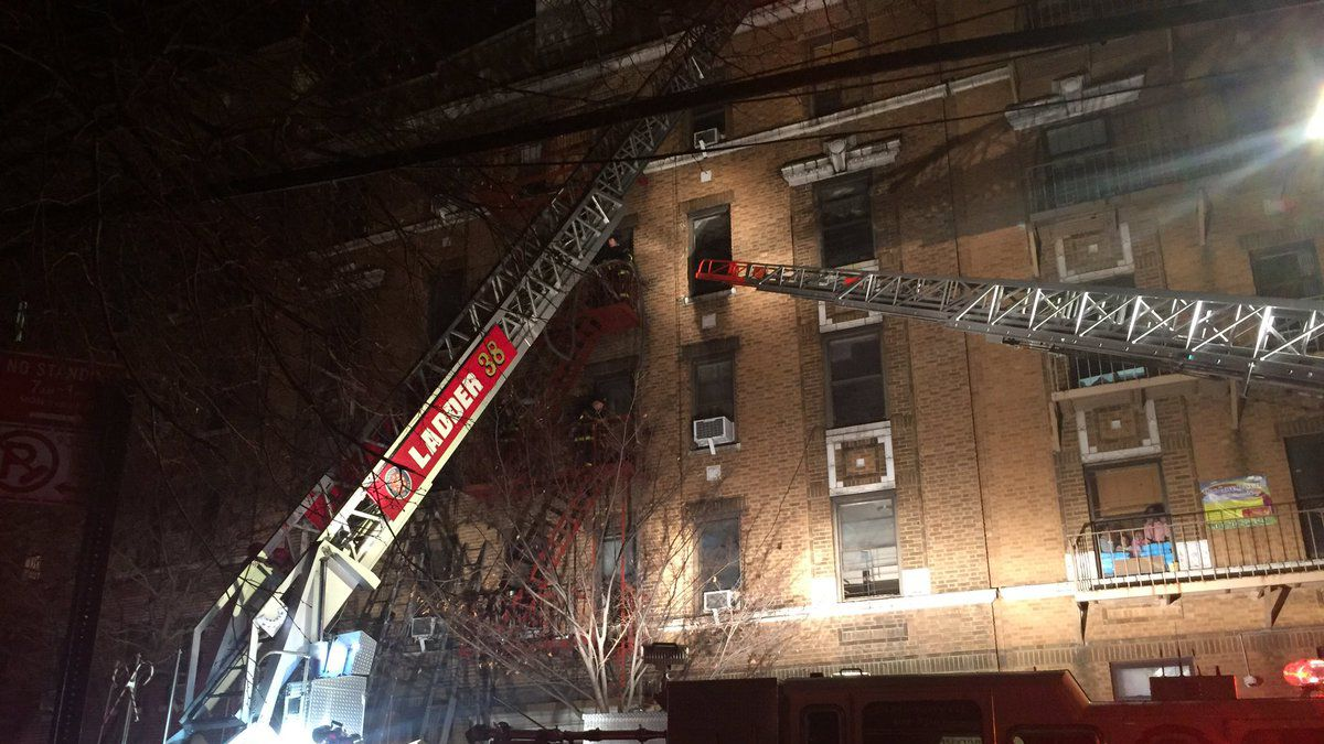 Histórico incendio en Nueva York deja 12 muertos