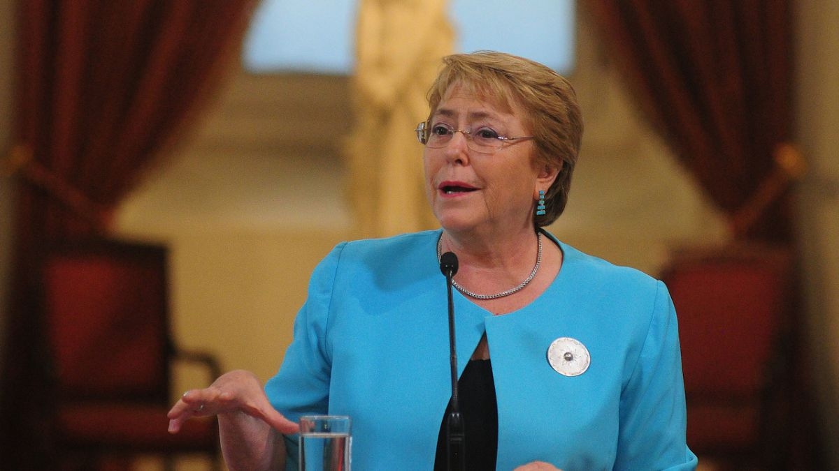 Bachelet alcanza su mejor aprobación de cierre de año en 2017