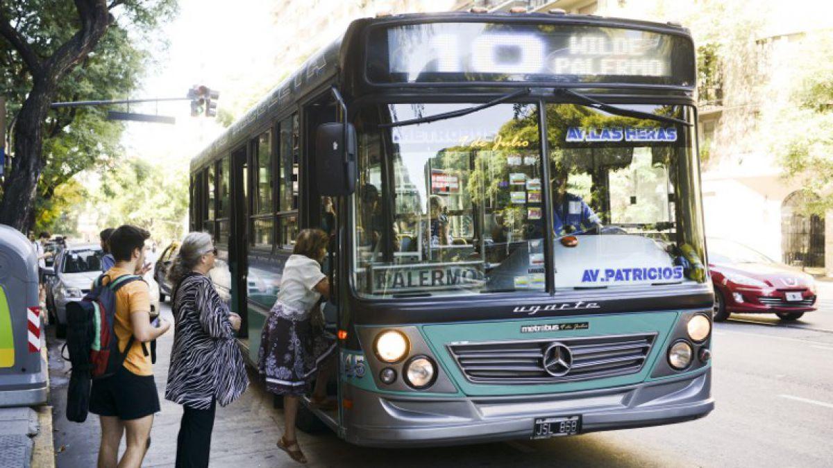 Tarifas del transporte público aumentan hasta 60% en Argentina