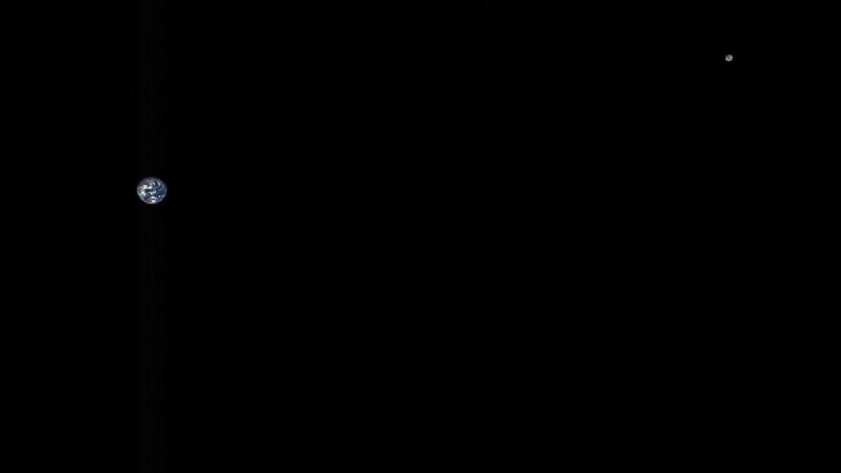 Foto muestra la distancia que hay entre la Tierra y la Luna