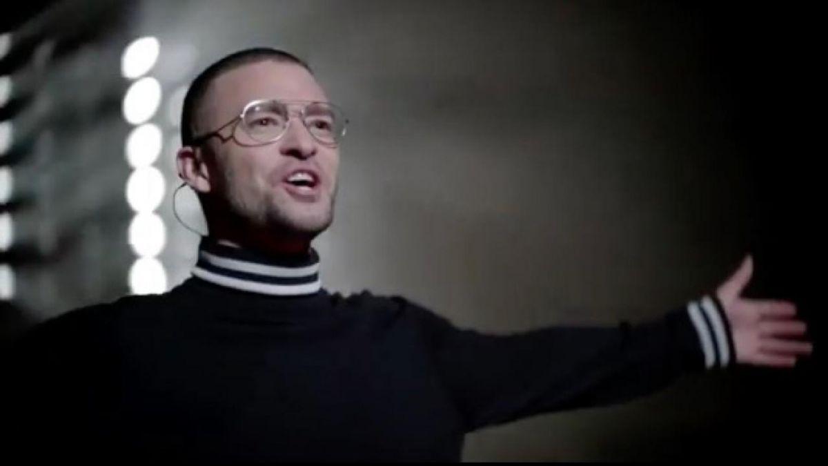 Justin Timberlake viaja al futuro en su nuevo videoclip