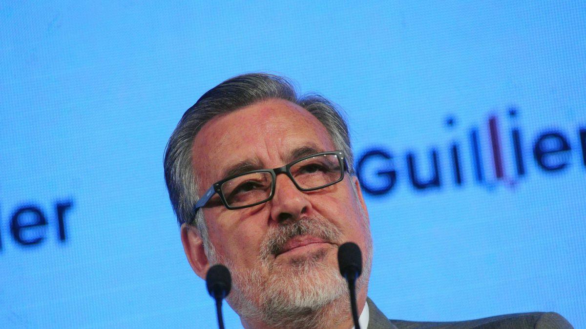 """Guillier acusa de """"traición a la fe pública"""" por alteración de las cifras del Banco Mundial"""