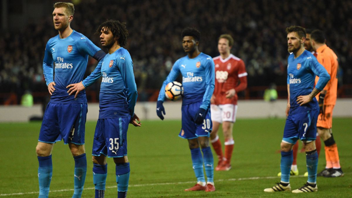 En Inglaterra piensan que la camiseta suplente del Arsenal está maldita