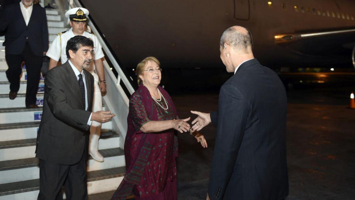 Fantuzzi desdramatiza gira de Bachelet a Cuba