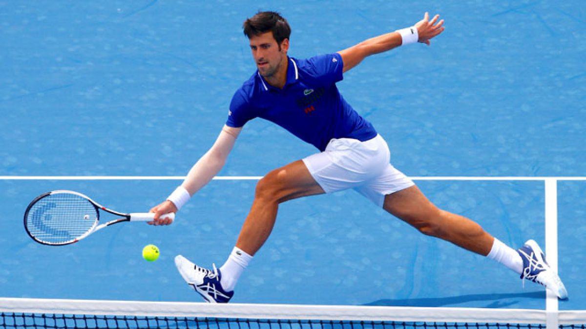 Djokovic vuelve a las canchas con triunfo sobre Thiem tras seis meses de ausencia por lesión