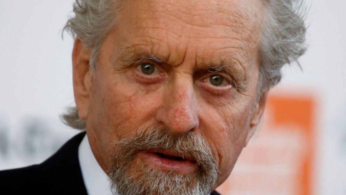 Michael Douglas niega acusaciones de acoso a exempleada